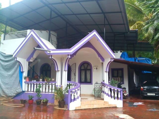 Simplistic yet elegant 2 BR bungalow @ Majorda - Majorda - Bungalow