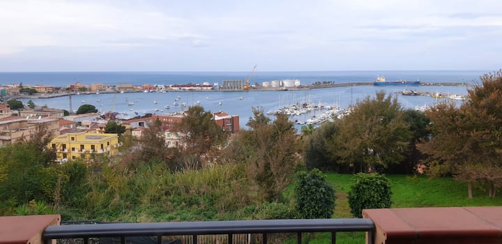 House with 3 bedrooms in Vibo Marina, with wonderful sea view and furnished terrace - 400 m from the beach
