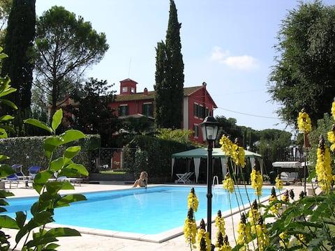 Studio 's met zwembad Tivoli