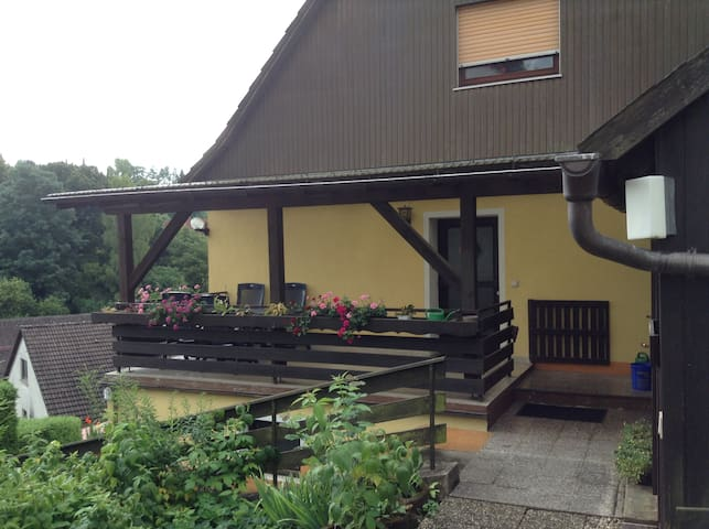 Nice flat own entrance , near Messe Nuremberg - Velden - Apartamento