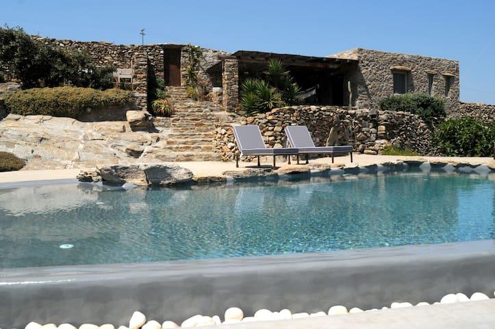 Guest House Mykonos, Ftelia