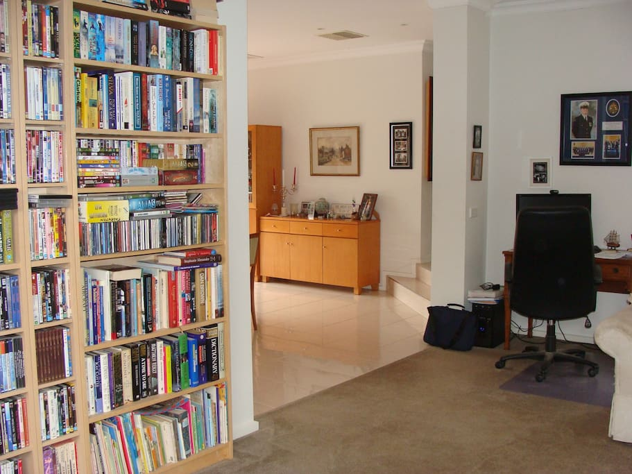 Well stocked bookcase if you need some wind down time