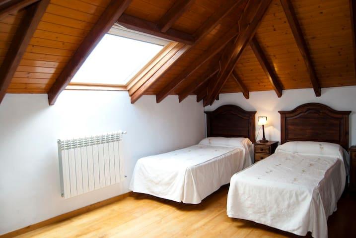 Habitación doble, camas individuales.