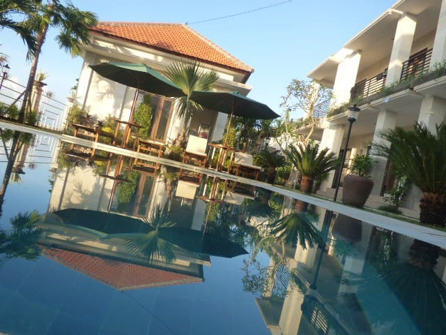 Rooms w/bathroom,wifi and Pool in Canggu with view - North Kuta - Hus