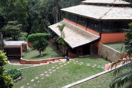 Belissíma Chacara com Piscina e Salão de Festas