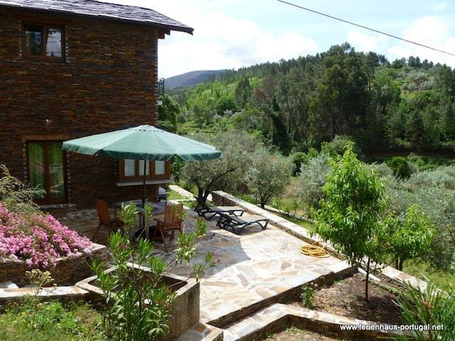 Casa da Menina holiday home - Anceriz - House
