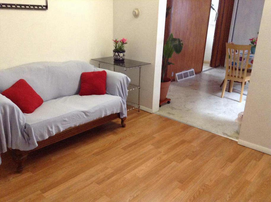 Comfy Furnished 2 Bedroom Apt Near Cta Orange Line Guest Suites For Rent In Chicago Illinois