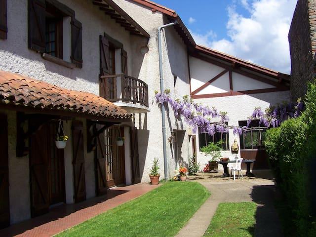 Belle demeure prés de Marciac (JAM) - Vic-en-Bigorre - Casa