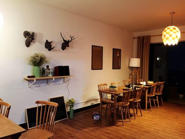温馨大床房(Standard Room) - Guangzhou