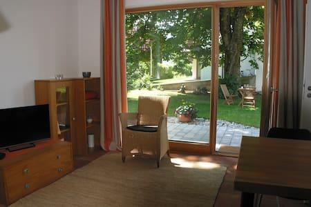 Ferienwohnung an der Kastanie - Appartement