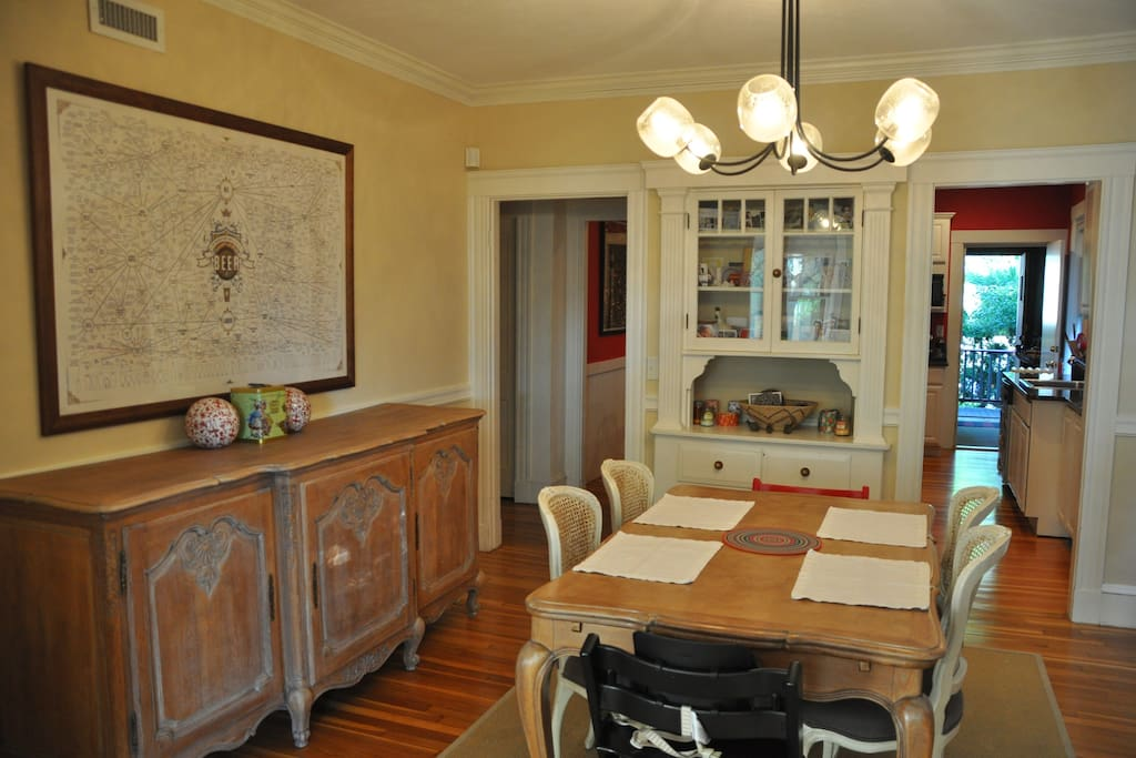 Dining room comfortably sits 6 guests
