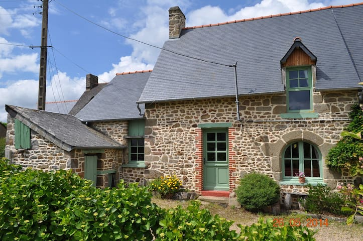 Breton Cottage - Bazouges-la-Pérouse