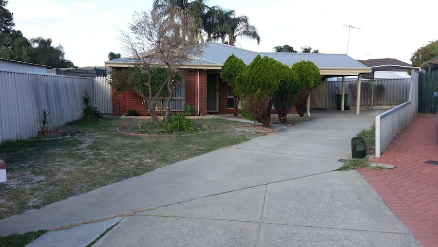 Great stopover near Perth airports - High Wycombe - Casa