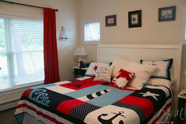 First Floor Bedroom - king bed