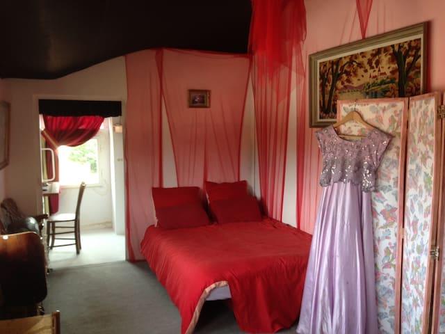 la Chambre pinky