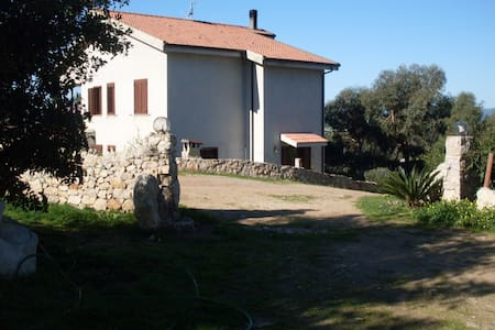 B&B immerso nella natura - Olmedo - Bed & Breakfast