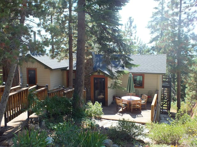 North Lake Tahoe Charming Family Cabin