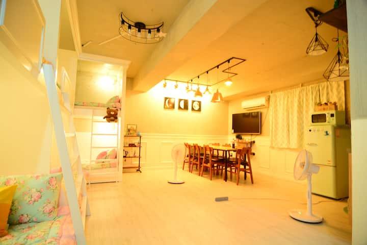 동대문 야시장,동묘시장,청계천 근처 취사가능한 독립형 가족안심숙소(트리플2층침대2+1)