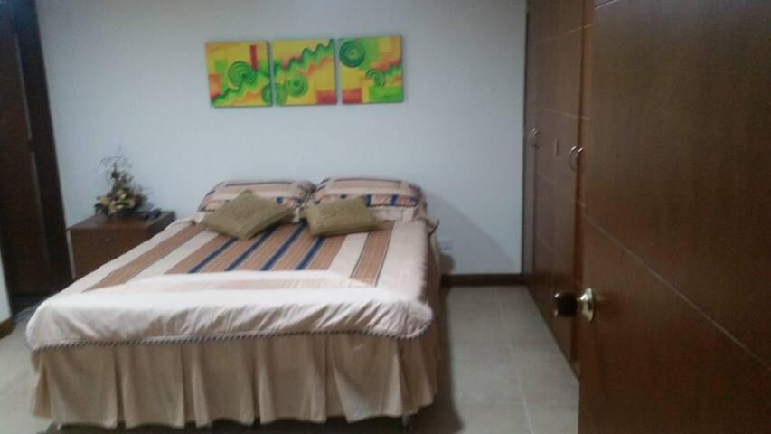 Habitacion Rosales, Manizales, caldas, comoda
