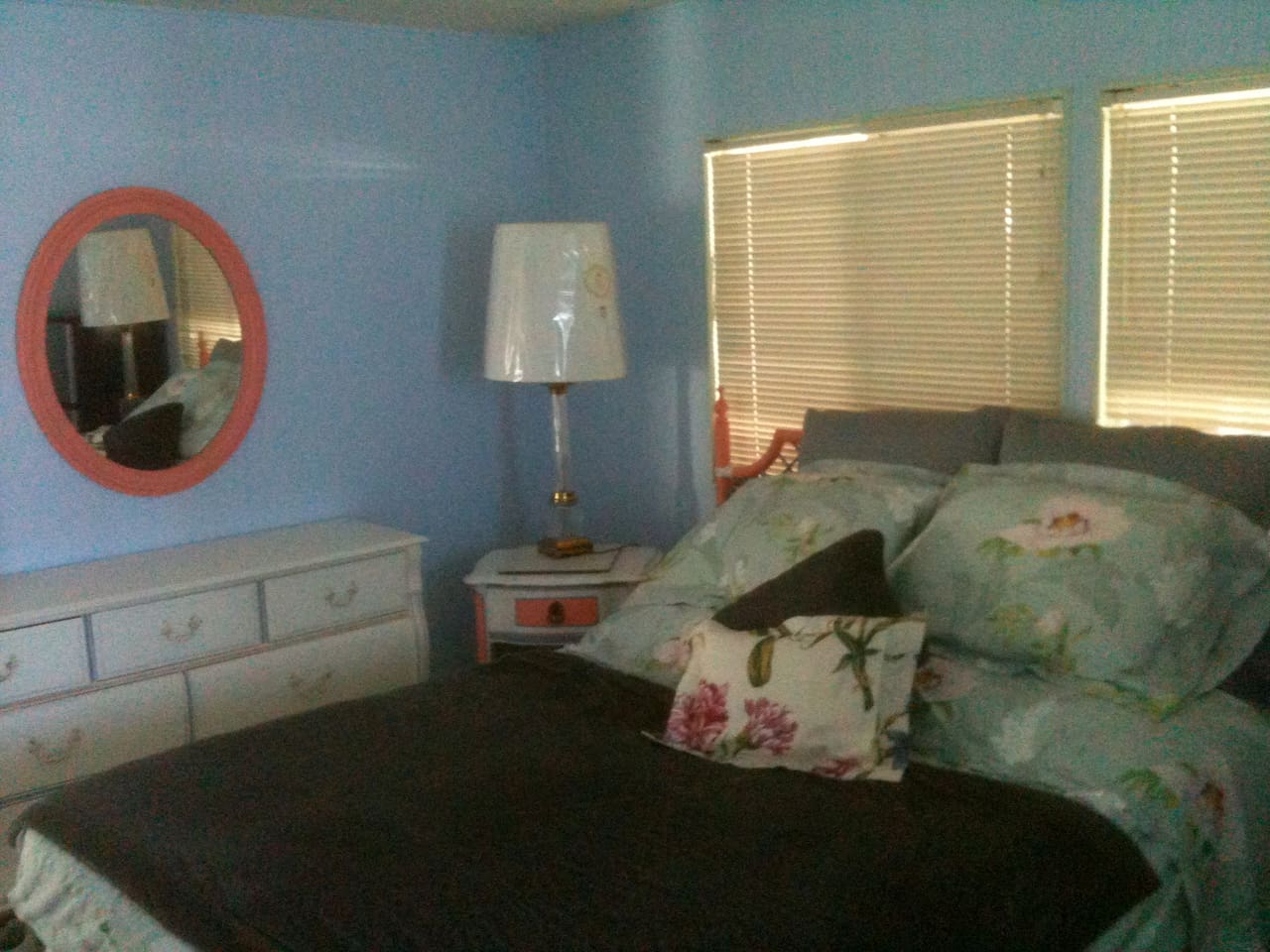 Manatee Q haven King size bed