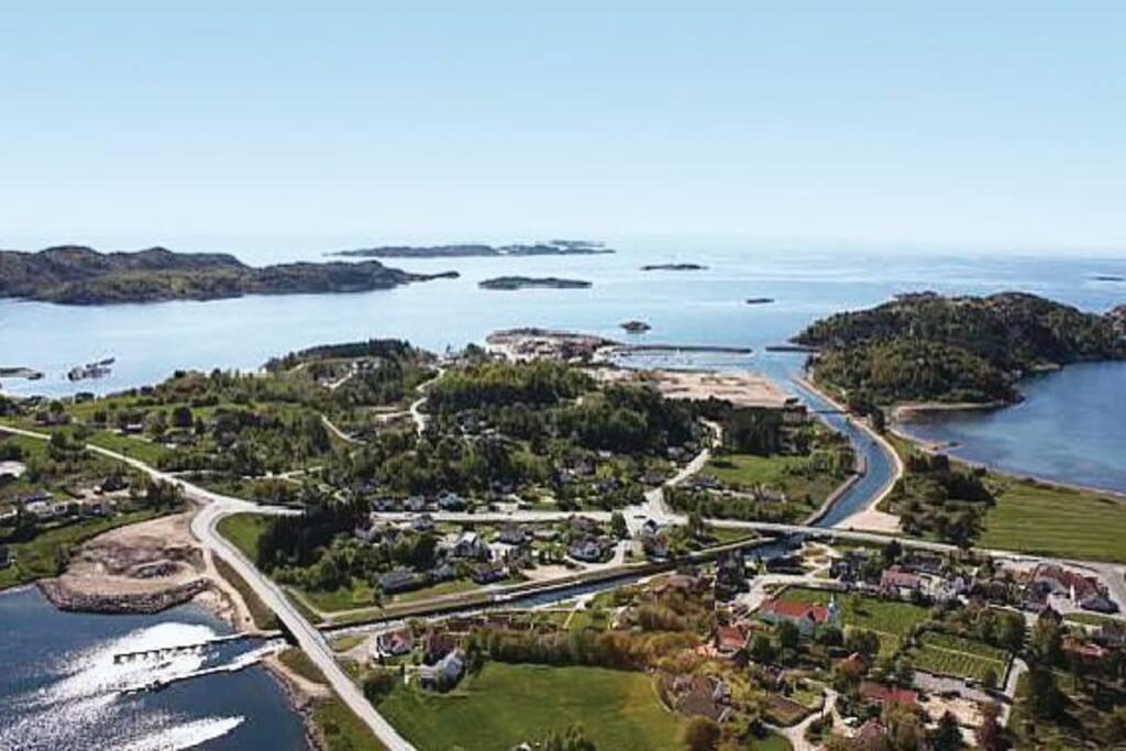 Spangereidkanalen knytter fjord og hav sammen.