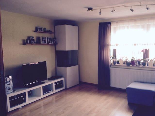 Große, helle Wohnung mit Balkon - Röttenbach - Casa