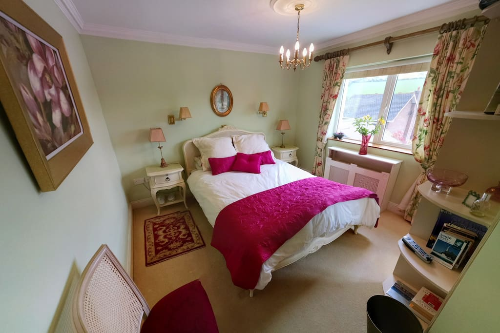 Double room with adjoining bathroom