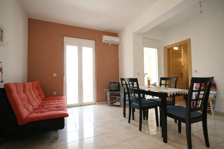 ELENI - 2 bedroom maisonette