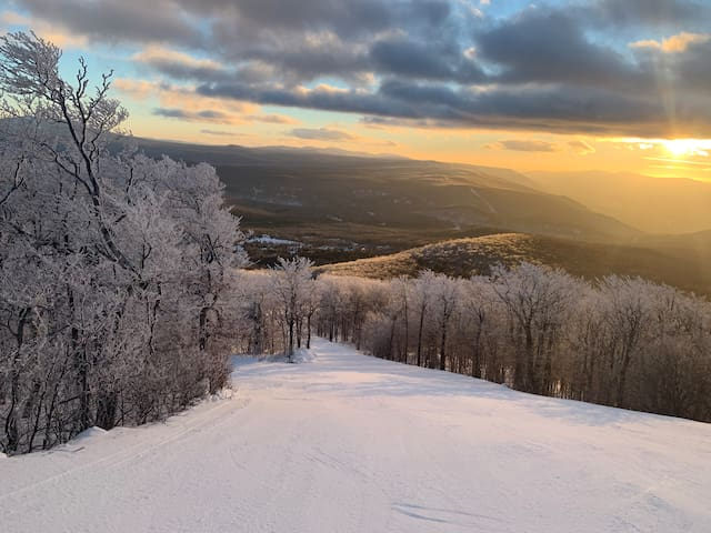 Perfect ski in/out location on Bromley Mountain