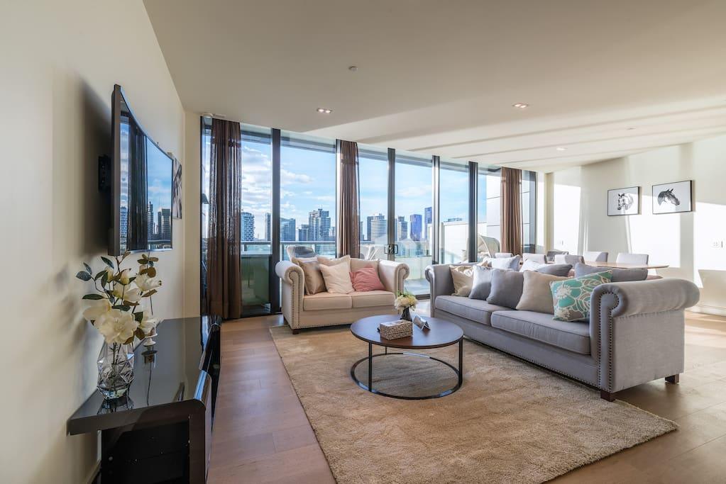 Living area (3+2 Seater Sofa)