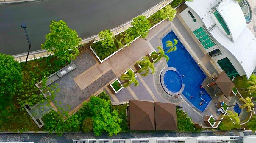 CF10C The Parkside Villas Condominium