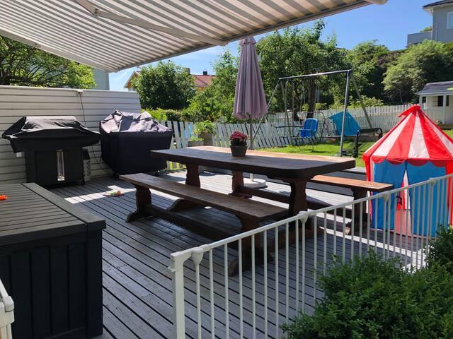 Flott hus med frodig hage og svært barnevennlig