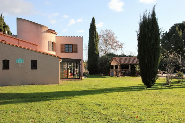 Lovely, big country side villa