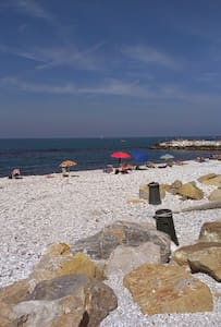 Bilocale a 300 metri dal mare - Marina di Pisa-tirrenia-calambr
