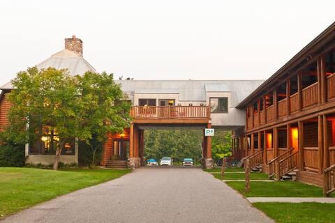 Drummond Island Resort - Lodge Queen Room Sleeps 4