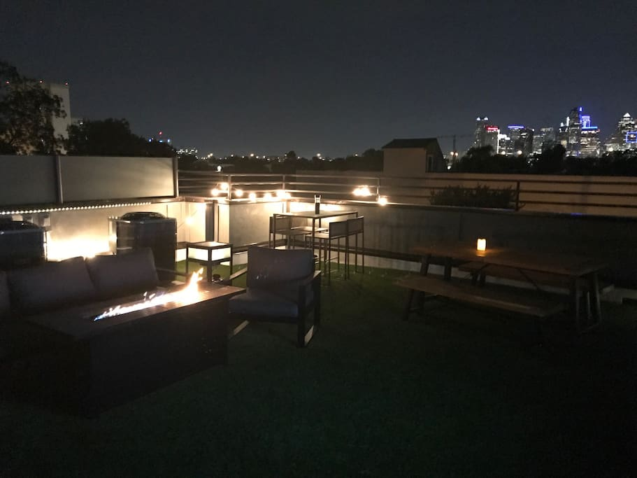 Roof-top relaxation and fun with downtown skyline views!