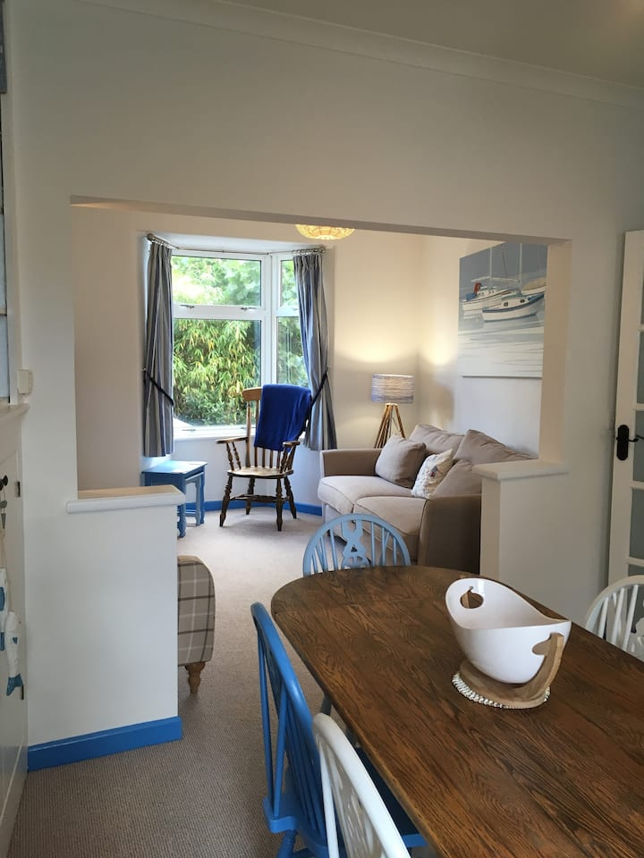Lovely cottage close to the beach in Sidmouth