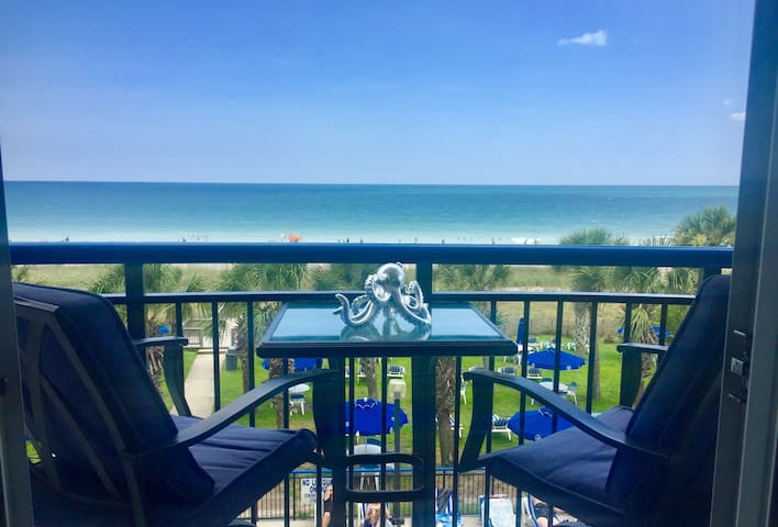 Beautiful Oceanfront Suite, Boardwalk Resort