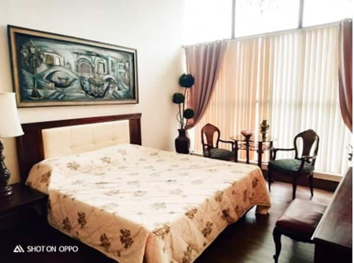 GP Suites-Venetian Lounge