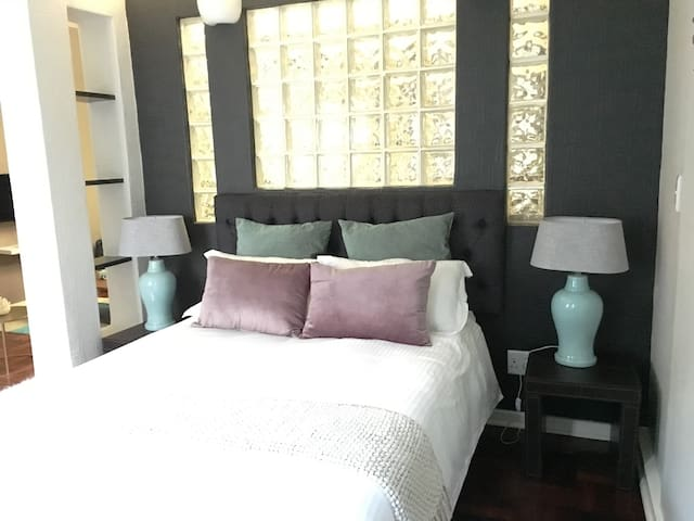 Trendy apartment-Rosebank - JHB - Johannesburg - Appartement