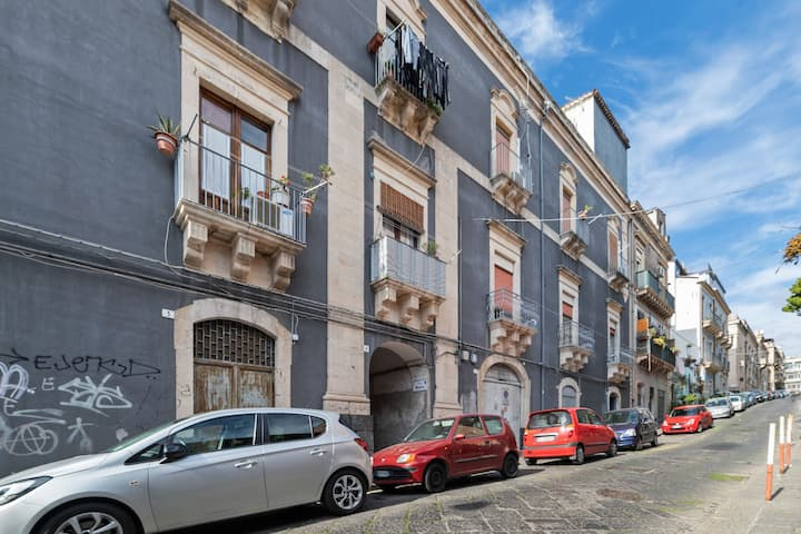 Modern Apartment in Catania near Playa Seafront