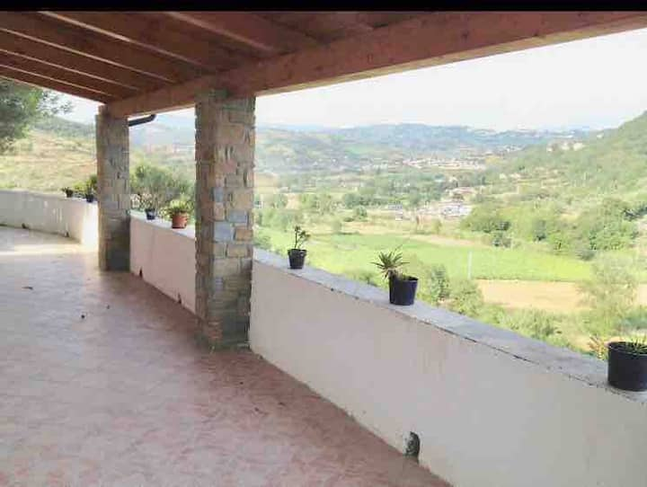 Villa nel Cilento da 4 a 13 posti a 5 km dal Mare