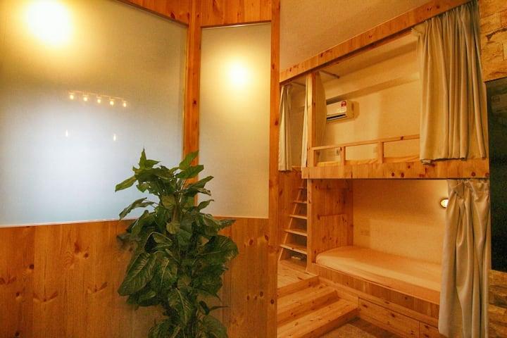 日本和欧美式民宿打破简普的設计,拥有欧美與日本风設计,绝对令你有正真渡假和休息的好地方