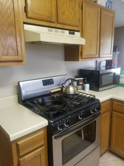 Full kitchen with utensils