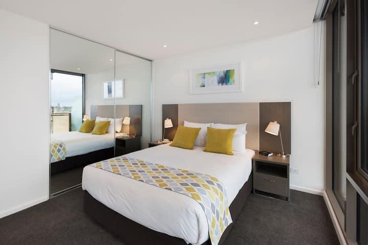 2 Bedroom Apartment | Balcony | Pool | Gym | Wifi