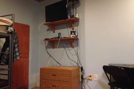 Studio Creekside, Bed Convertible - Whistler - Apartemen