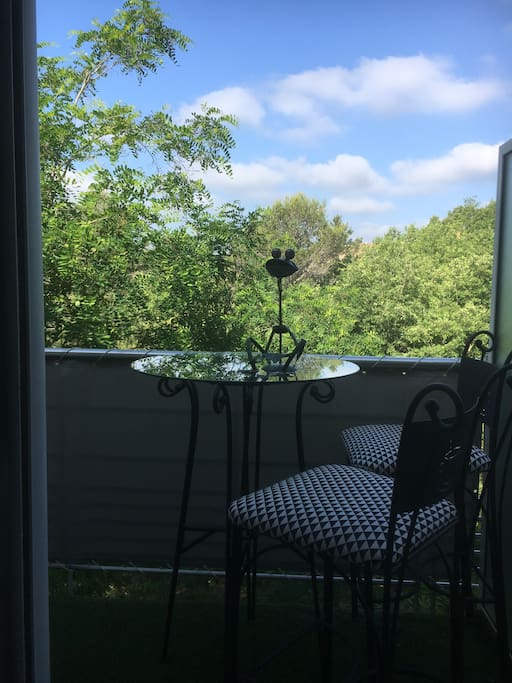 Pti balcon extérieur de l'appartement privatif de 5m2