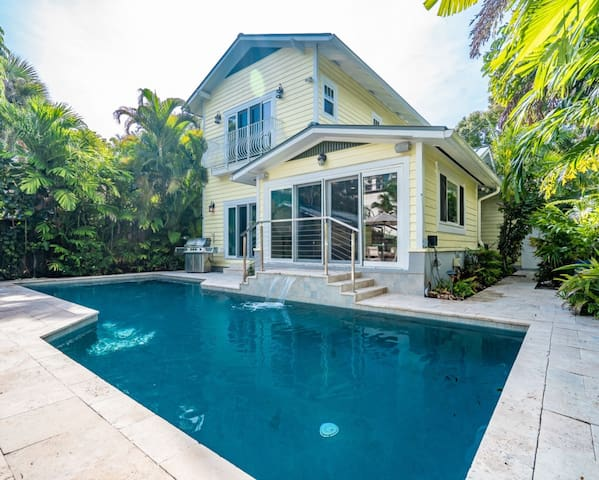 Hemingway House for 8 Guests 4/3 Large Heated Pool