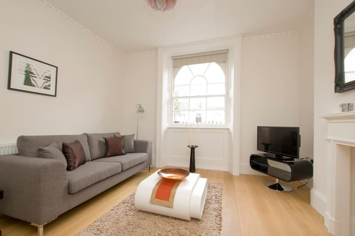 Marylebone Two Bedroom Apartments - London - Apartment