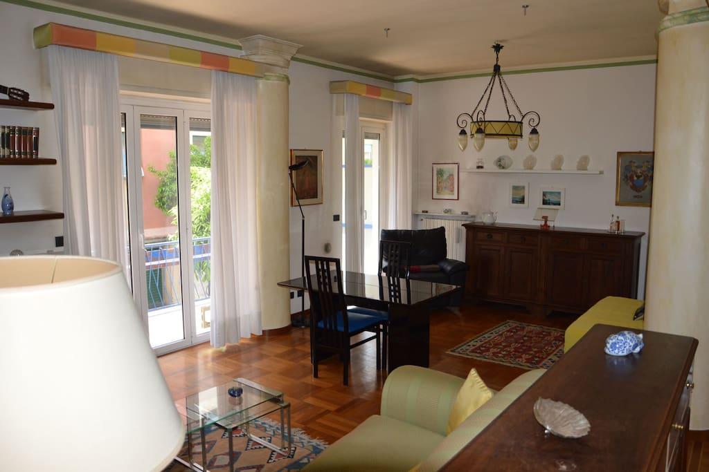 Salone - Living room (2/4)